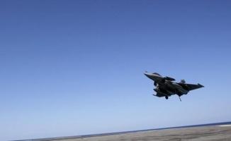 Libya savaş uçağı Tunus'a zorunlu indi