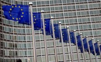 UBS, ECB'nin 2019'da iki kez faiz indireceğini öngörüyor