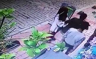 Beyoğlu'nda Çin'li kadına kapkaç şoku