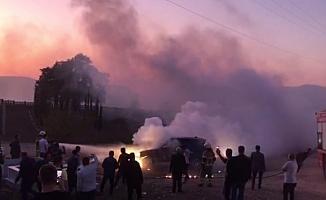 Bursa'da lüks araç mezarlıkta alev aldı