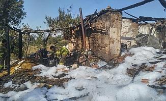 Sındırgı'da ev yangını
