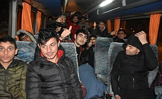 Yunanistan 24 bin göçmeni Türkiye'ye itti!