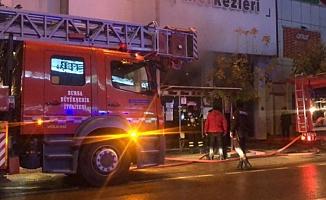 Bursa Gemlik'te AVM'de yangın