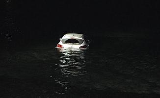 Otomobiliyle denize uçtu