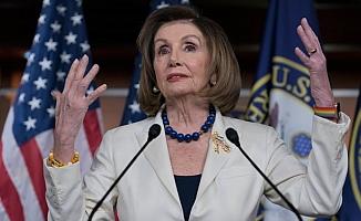 Pelosi'den Trump için azil çağrısı