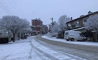 Bursa'nın o ilçesi karlar altında!