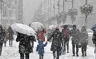 Sıcaklık düşecek İstanbul'a kar geliyor!