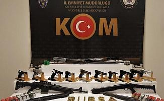 Silah kaçakçılığı yapan çete çökertildi: 21 gözaltı