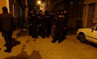 Bursa'da gece bekçilerine saldırı
