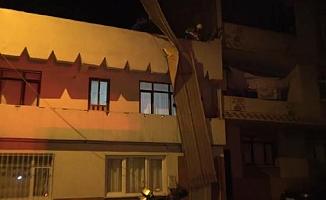 Bursa'da şiddetli rüzgar çatıları uçurdu!