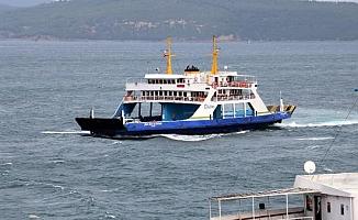 Çanakkale'de lodos deniz ulaşımını aksattı