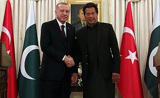 Cumhurbaşkanı Erdoğan Pakistan'ın başkenti İslamabad'dan seslendi!