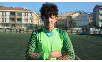 Genç oyuncu Bursaspor'a transfer oldu
