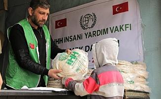 İHH, Afrin'de 3,5 milyon adet ekmek dağıttı