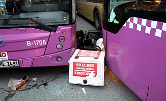 İstanbul'da inanılmaz kaza; Araçlar birbirine girdi