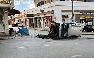Görevden dönen Vefa Destek Grubu kaza yaptı