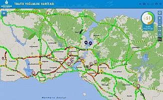 İstanbul'da sokağa çıkma kısıtlamasına saatler kala trafik yoğunluğu arttı