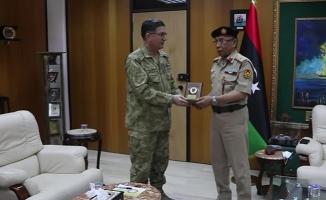 Deniz Kuvvetleri Komutanı Oramiral Adnan Özbal Libya'da