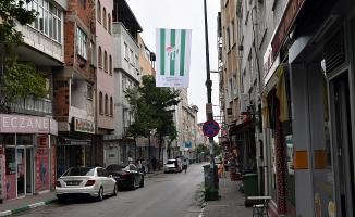 Sokaklara Bursaspor bayrakları asıldı