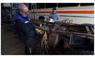 Türkiye'nin ulaşım klasiği eski otobüslere usta ellerden nostaljik dokunuş