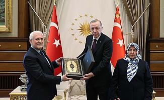 Erdoğan şehit savcı'nın ailesiyle görüştü.