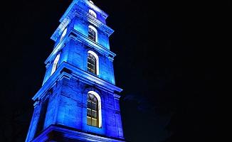 Otizm Farkındalık Günü'nde Bursa'da Tarihi Binalar Mavi Renkle Işıklandırıldı.