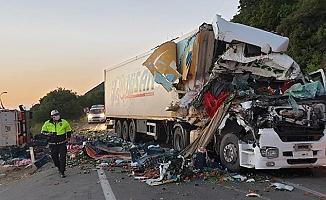 4 aracın karıştığı zincirleme kazada 1 kişi yaralandı