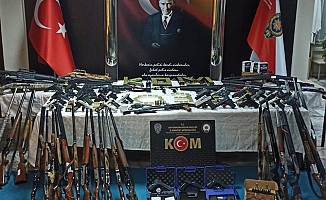 8 ilde silah ticareti operasyonuna 9 tutuklama