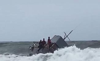 ABD'de göçmen teknesi battı: 4 ölü, 27 yaralı