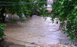 Bursa'da sağanak sele dönüştü