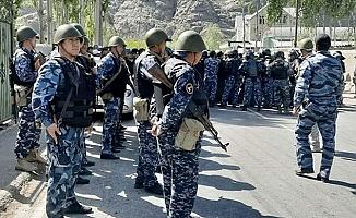 Kırgızistan ve Tacikistan sınırdan askerlerini çekti
