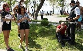 Sahilde kabindeki genç kızları görüntüleyen şüpheli tutuklandı