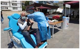 Kent merkezinde mobil aşı uygulaması
