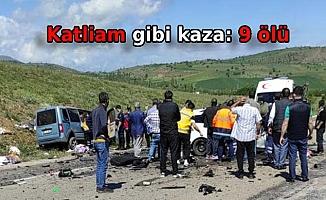 Otomobil ile hafif ticari araç çarpıştı: 9 ölü