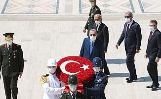 Cumhurbaşkanı Erdoğan'dan YAŞ üyeleri ile Anıtkabir ziyareti