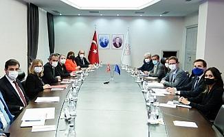 Bakan Özer, AB Türkiye Delegasyonu Başkanı Meyer-Landrut'la bir araya geldi