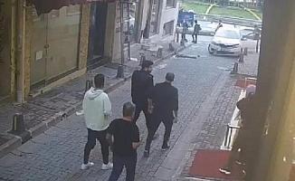 Beyoğlu'nda kaldırımda yürüyen turistler kazadan saniyelerle kurtuldu
