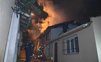 Bursa'da 2 katlı müstakil evde yangın