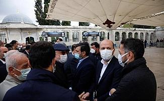 Fotoğraflar//  Özdemir Bayraktar için Fatih Camii'nde tören düzenlendi