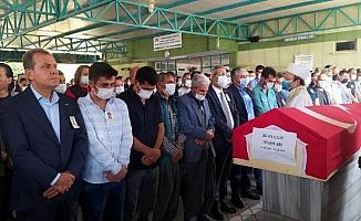 Görevde ağır yaralanıp 10 gün sonra ölen itfaiyeci, Mersin'de defnedildi