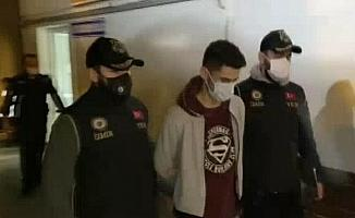 İzmir merkezli FETÖ operasyonunda gözaltı sayısı 135'e yükseldi