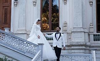 Yapımcı Aycan Gül, Türkmenistanlı sanatçı Çınara ile evlendi