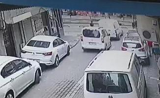 Zeytinburnu'nda tramvay kazası kamerada