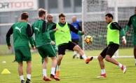 Bursaspor Süper Lig'e tutunmak istiyor... Rakip Antalyaspor