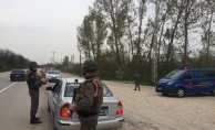 Yollarda güvenlik kontrolü sırasında 27 gözaltı