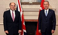 Bakan Akar, İngiliz mevkidaşı ile görüştü!