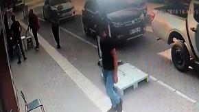 Gelin arabalı, kalaşnikoflu kuyumcu soygunu videolara yansıdı